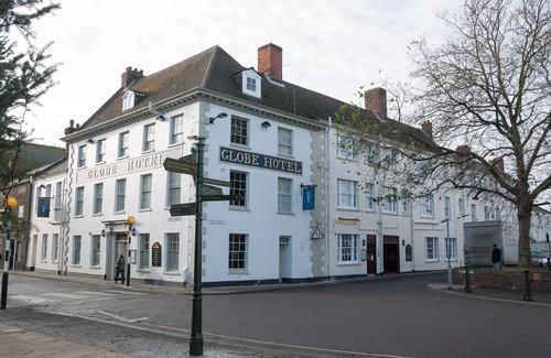 globe hotel pub quiz