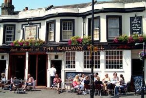 Railway pub quiz
