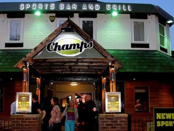 Champs Sports Bar & Grill pub quiz